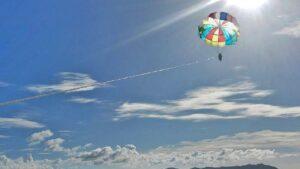沖縄の空と海を満喫!パラセーリング!